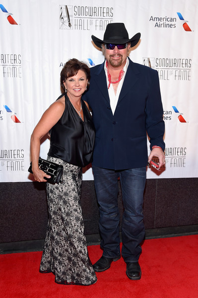 Toby keith meet and greet photos tour dates 2018 concert tickets keith spent his early years in fort smith with his brother and sister there he went to the grade school but later traded oklahoma m4hsunfo