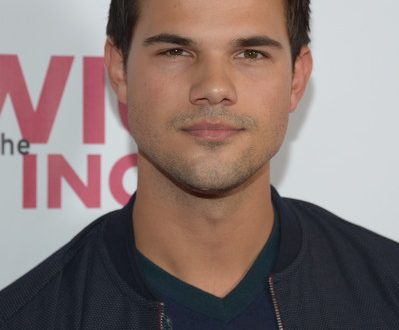 Taylor Lautner Meet and Greet 2019 Net Worth